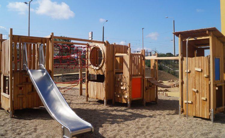 Spielplatz der Gemeinschaftsunterkunft für Flüchtlinge Leipzig, Arno-Nitzsche-Straße